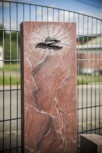 Fusion Fire gebürstet mit Sonnen-Vogel-Ornament aus Alu